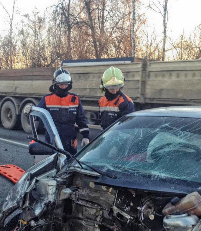 Спасатели ГКУ МО «Мособлпожспас» деблокировали водителя, пострадавшего в ДТП в Луховицком городском округе