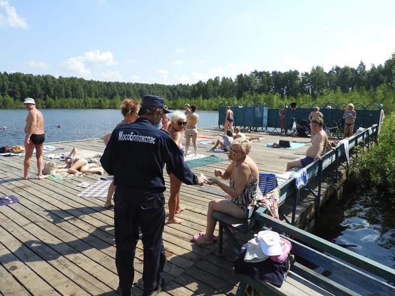 Спасатели ГКУ МО «Мособлпожспас» совместно с волонтерами провели профилактический рейд на водоемах Балашихи