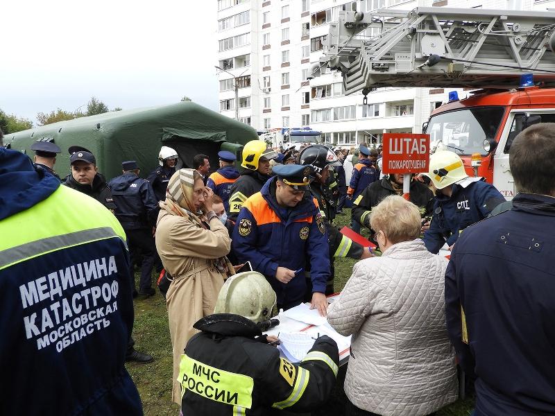 Работники ГКУ МО «Мособлпожспас» принимают участие в ликвидации последствий взрыва бытового газа в Ногинске