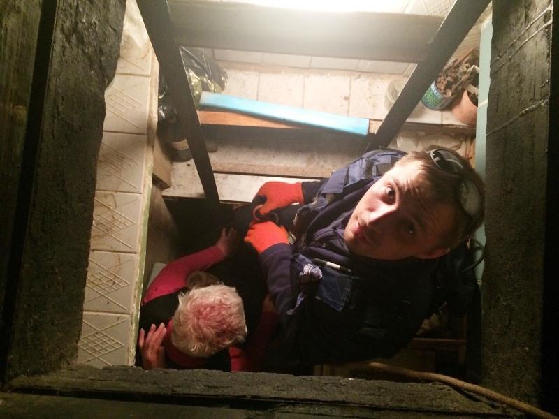 Девушку потащили в подвал и трахнули #14